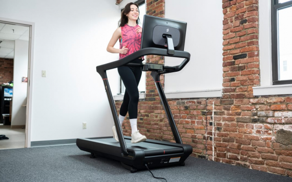 Peloton shares down 15% as company recalled all its treadmills